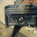 Gambar stang seker piston dan ring piston macet