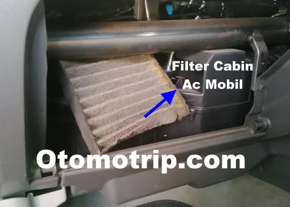 Gambar Filter cabin ac mobil kotor