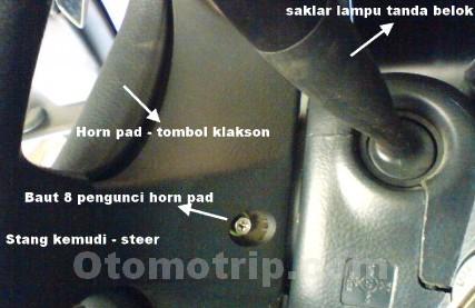 Cara membuka horn pad mobil