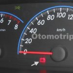 Gamar indikator aki di panel speedometer atau panel instrument dashboard