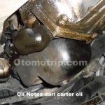 Oli netes bocor dari carter oli