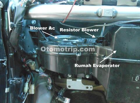Gambar letak resistor blower pada ac mobil daihatsu terios