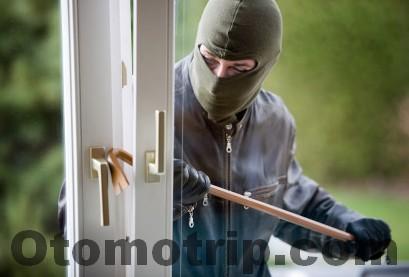 agar rumah tidak diincar pencuri